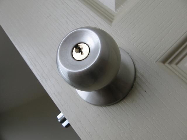 door-1424540-640x480